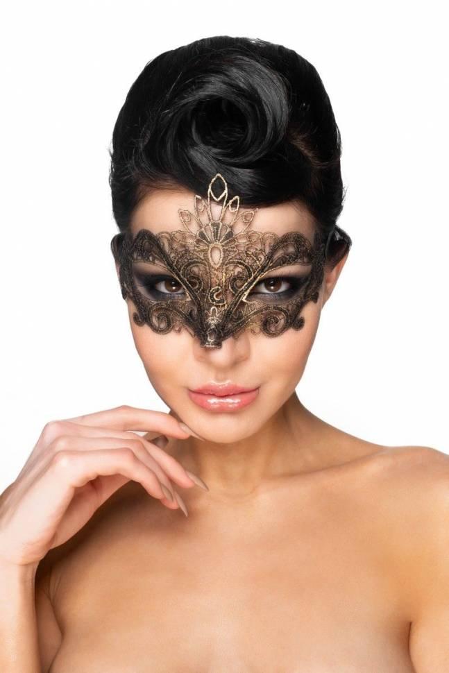 Золотистая карнавальная маска «Бекрус»