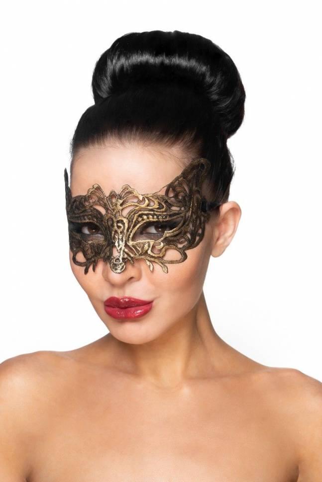 Золотистая карнавальная маска «Беллатрикс»